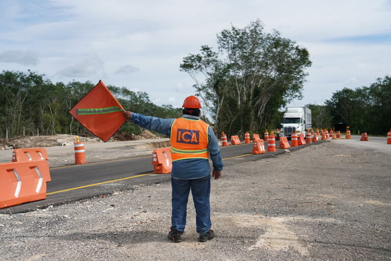 Toll road on the Mérida to Cancun highway increase price