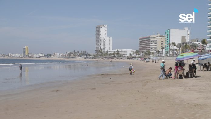 Public restroom urgently needed on Mazatlan beaches